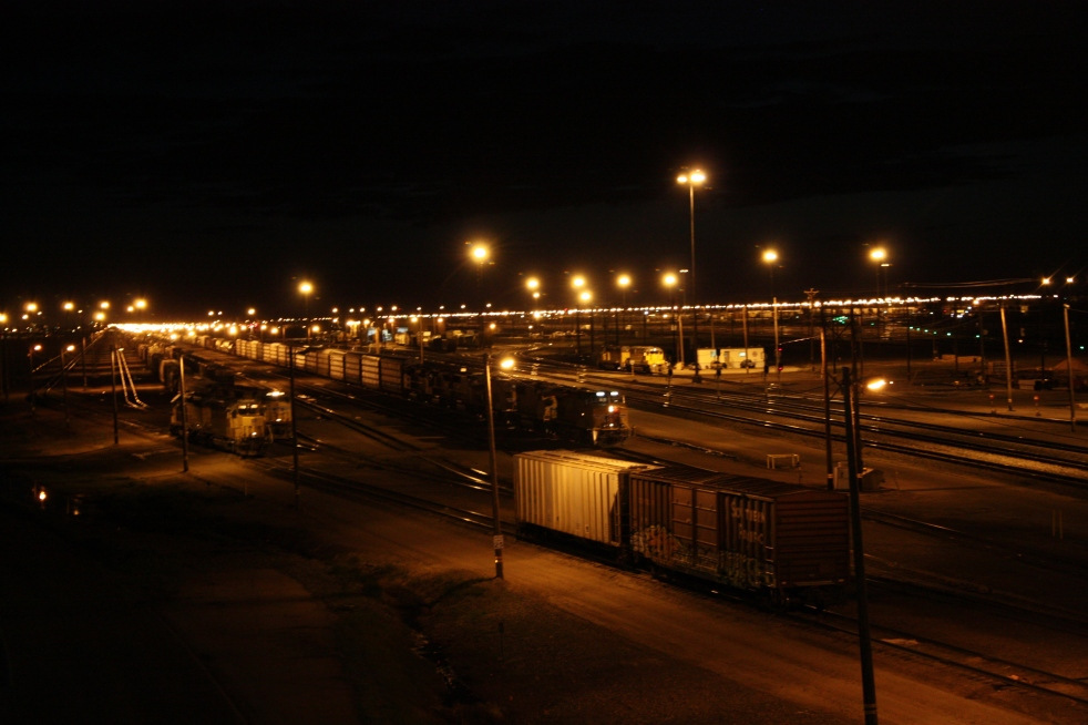 Bailey Yard lit at Night (source: Wikipedia, public domain)